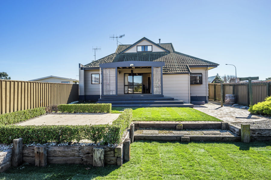 Property For Sale in Paraparaumu Beach