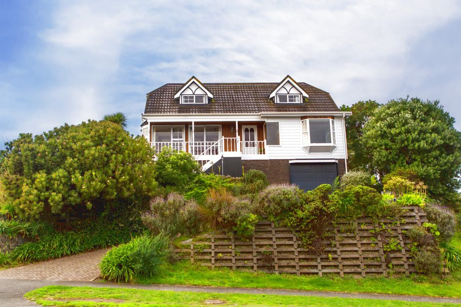 Property For Sale in Waikanae Beach